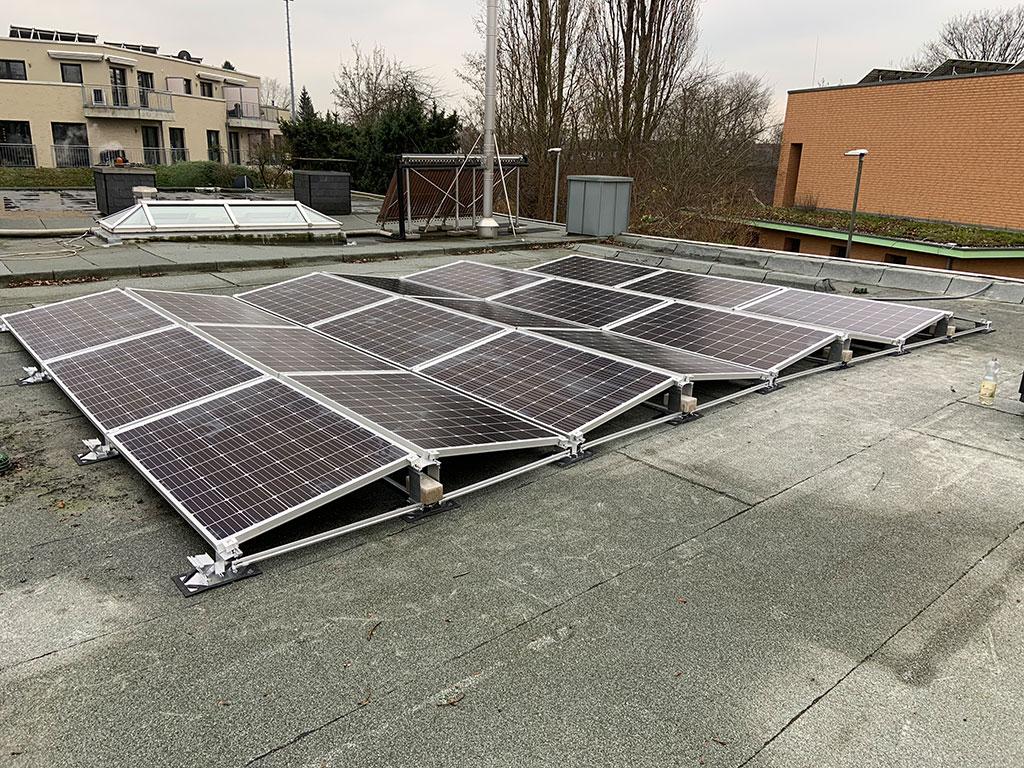 Mini-Photovoltaik-Anlagen für Balkon oder Garage - Brenner Energie